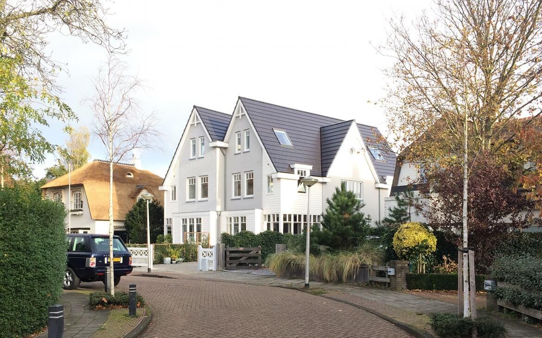 villa in de straat